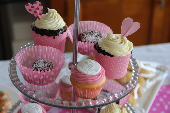 G&M cupcakes and heart cupcake toppers